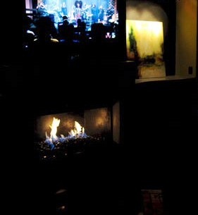 Electronic remote propane fireplace
